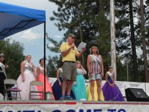 Bill Campbell introduces The 2015 Honorary Mayor of Burney and Basin Days Royalty