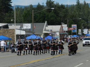 Jefferson State Bagpipers marching in the Parade