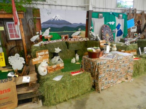 Cattlewomen display