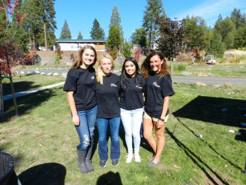 Burney High Leadership volunteers