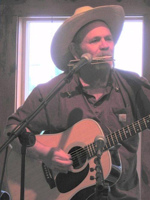 Singer-Songwriter Stu Stoore