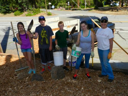 Morgan Herndon, Tyler Olney, Hayden Herndon, Kaylynn Harper, Hayden and Jill Binger beautifying Burney