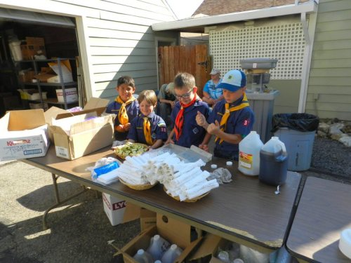 Cub Scouts from Pack 38 helped came to serve