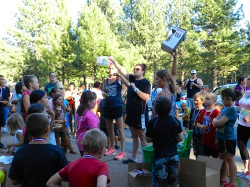 Shay and Dana hand out prizes