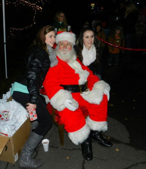 everybody-loves-santa