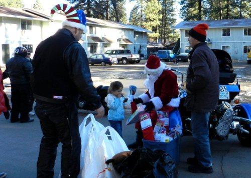 Santa at Quebec Apartments