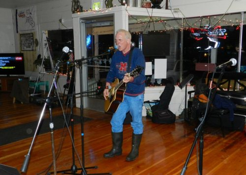 Matt Erich played some foot-tapping tunes